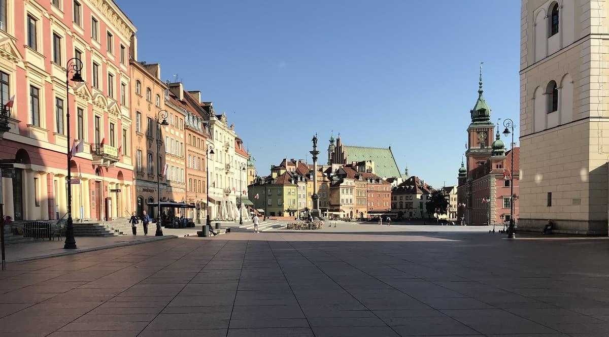 königsschlossplatz-in-warschau