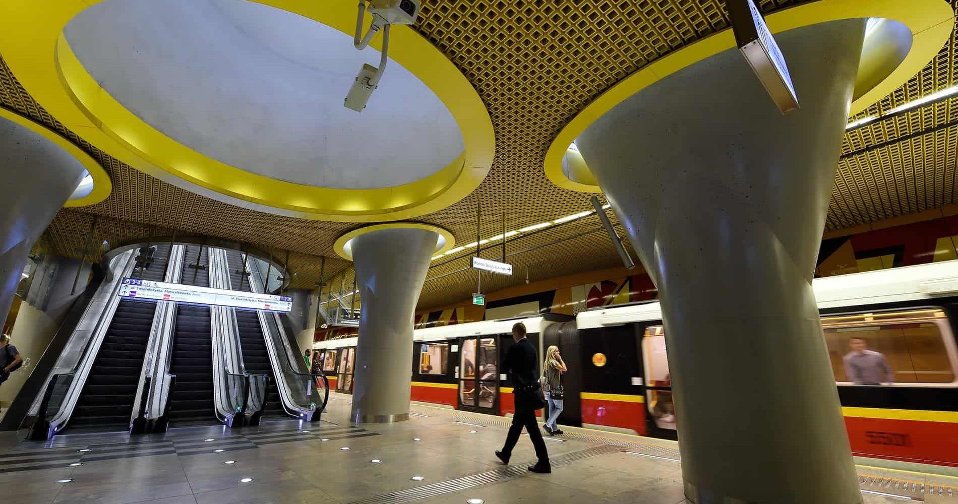 metro-warschau-swietokrzyska